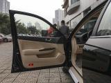 16驾驶员侧门内门板