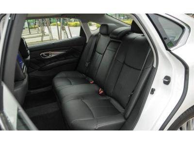 英菲尼迪Q70L(进口)座椅