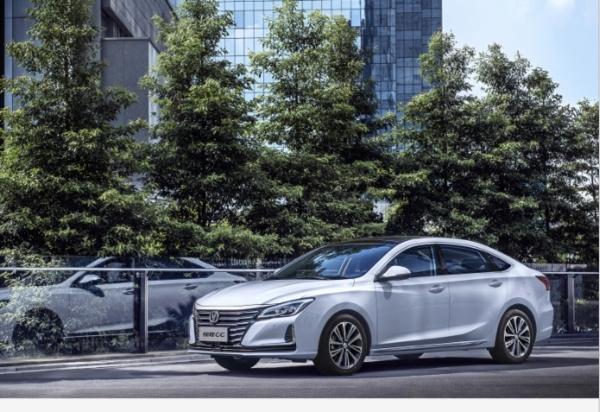_【锐程CC上市新闻稿】-紧凑型价格中级车享受 长安锐程CC惊喜劲爆价8.49万元起!(1)368
